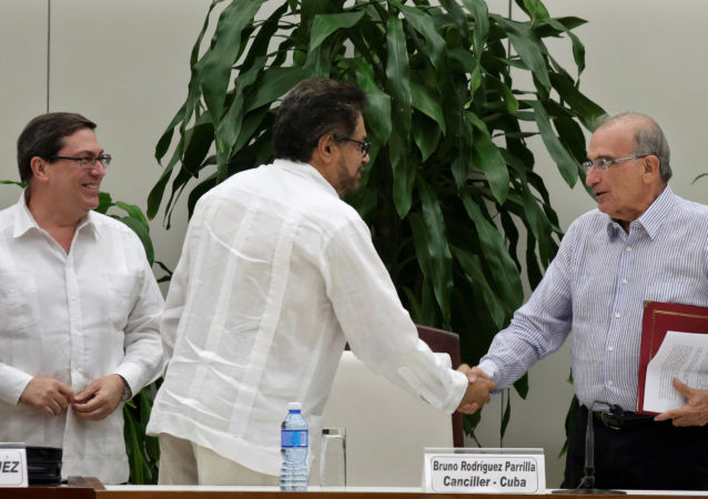 V Kolumbii podepsalo vedení s povstalci novou dohodu o míru