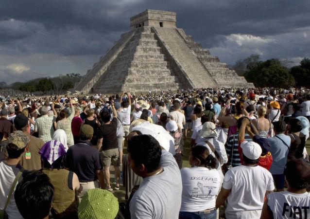 Kukulkánový chrám v Chichén Itzá