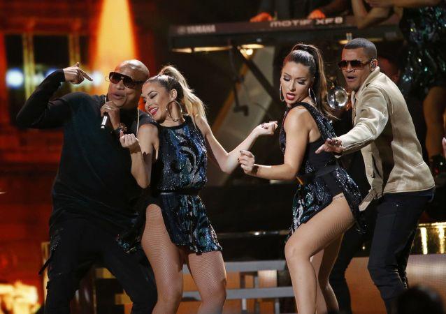 Hudební skupina Gente De Zona na každoročné ceremonii ceny  Latin Grammy Awards v Las Vegas