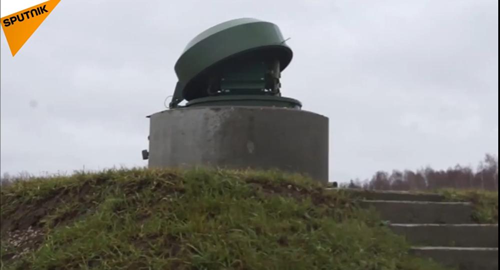 Roboti strážci podzemních odpalovacích zařízení ruské armády v akci