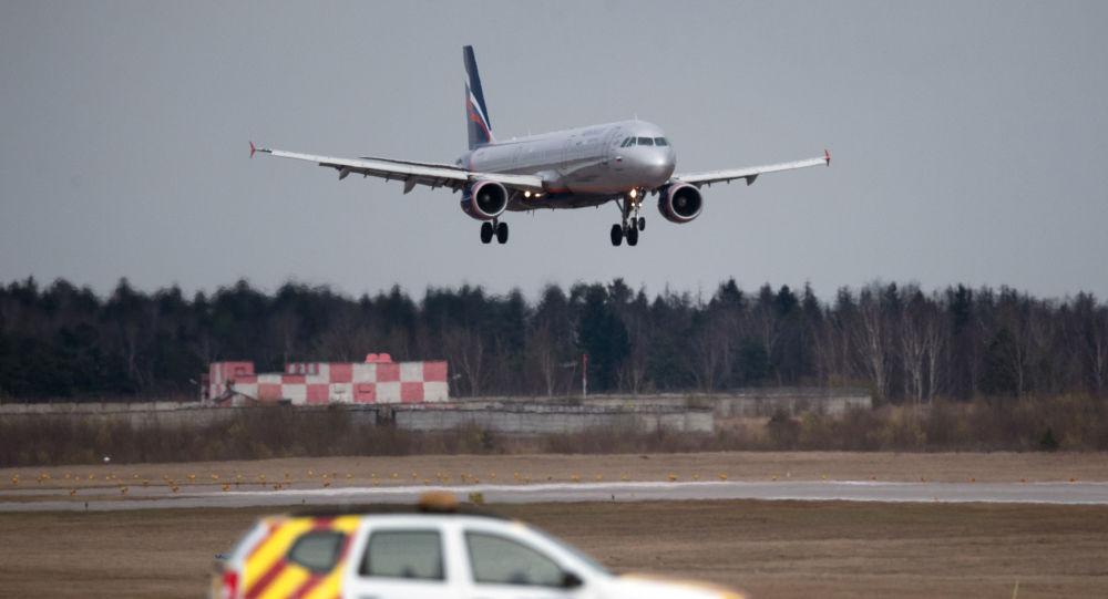 Airbus A320 na letišti Šeremeťjevo. Ilustrační foto
