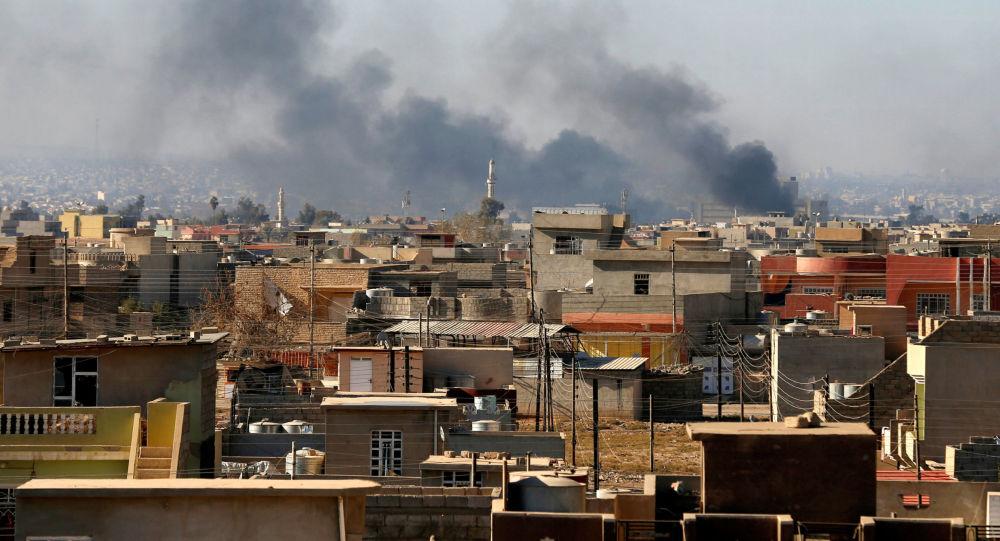 Kouř nad Mosulem