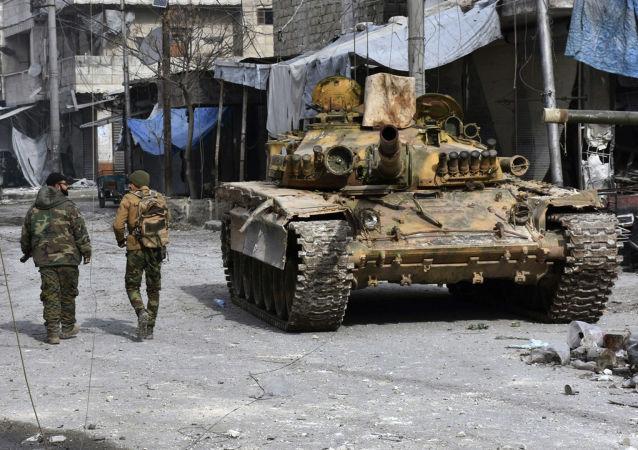 Syrští vojáci na východě Aleppa