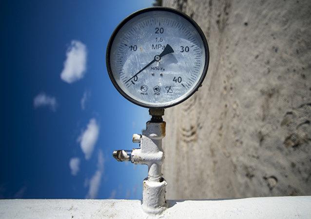 Měřič tlaku na plynovodu