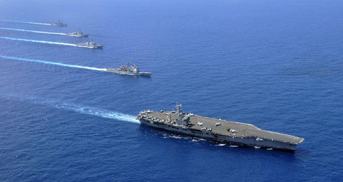 Americké letadlové lodě v Jihočínském moři. Archivní foto