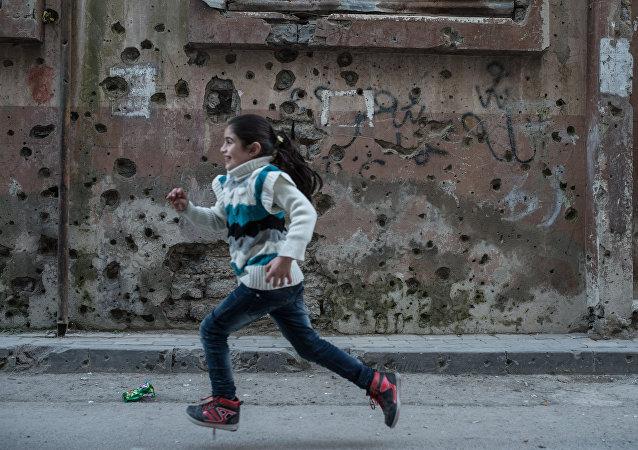 Syrská holčička v Homsu