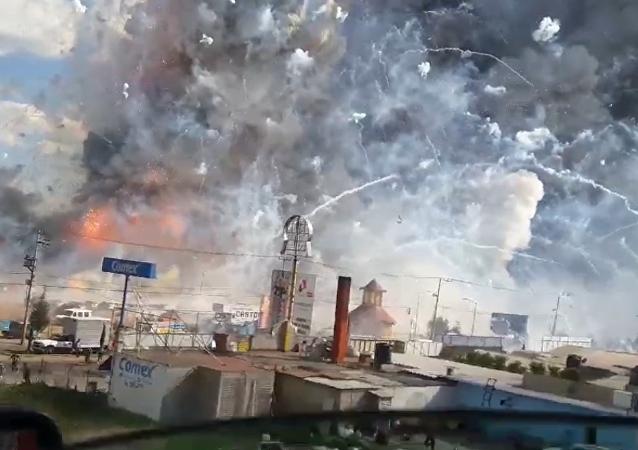 Exploze pyrotechniky v Mexiku
