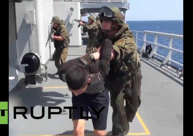 Rusko-čínské cvičení: protiteroristický nácvik ve Středozemím moři