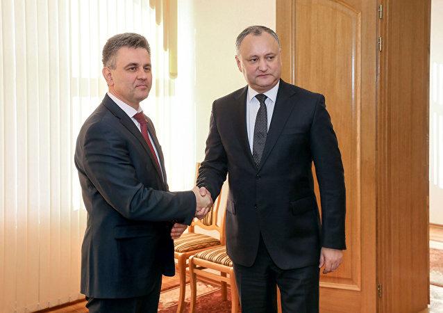Jednání mezi prezidentem Moldavska Igorem Dodonem a prezidentem Podněstří Vadimem Krasnoselským