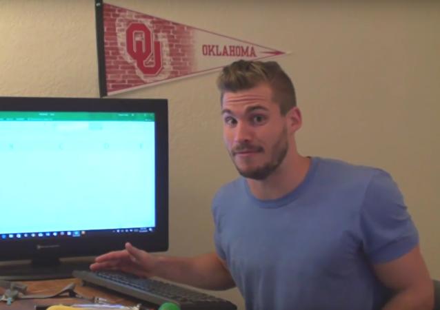 Američan ztratil přes devět hodin ve snaze dojít na konec Excelu