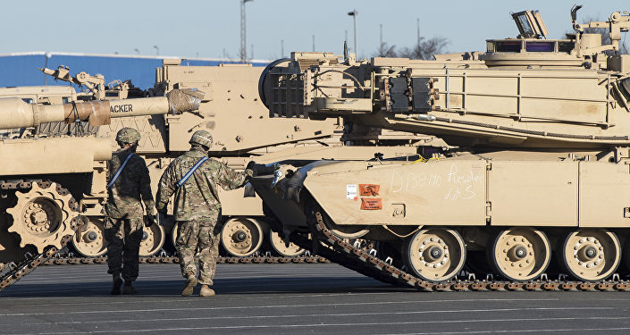 Americké tanky v přístavu Bremerhaven