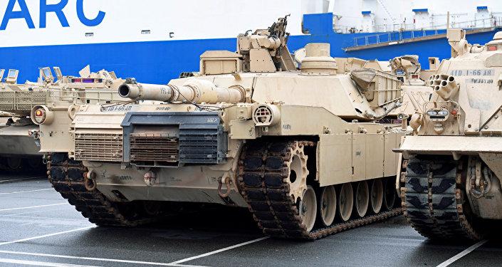 Americké tanky v německém Bremerhavenu