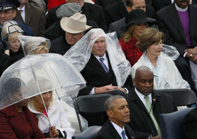 Bývalý prezident George Bush během inaugurace Donalda Trumpa