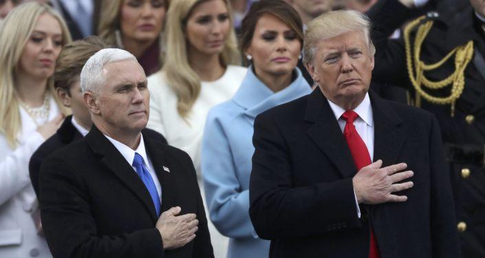 Prezident USA Donald Trump a viceprezident USA Mike Pence