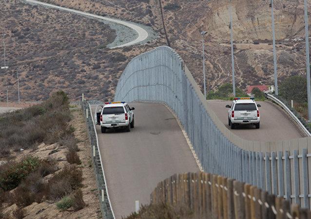 Hranice mezi Mexikem a USA