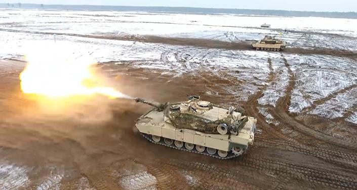 Americké tanky  M1 během cvičení v Polsku