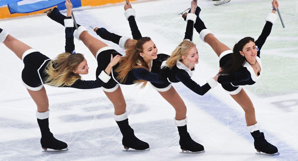 Roztleskávačky hokejového týmu Dinamo Moskva