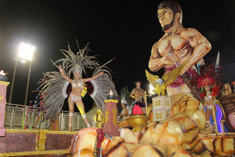 Očekává se, že se letos karnevalu zúčastní kolem 100 tisíc lidí