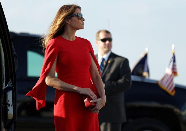 První dáma USA Melania Trumpová na floridském letišti