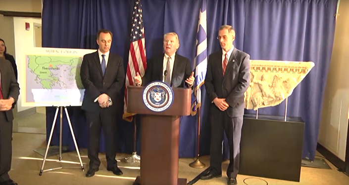USA vrátily Řecku ukradený starobylý mramorový sarkofág