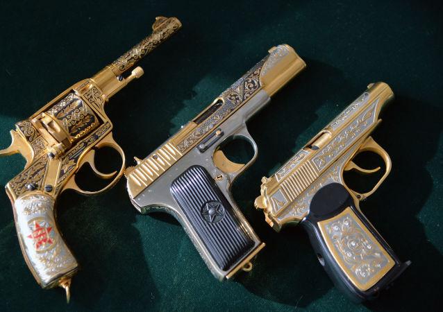Pistole pro Ministerstvo obrany RF. Ilustrační foto