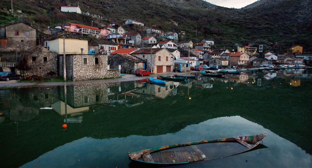 Jezero v Černé Hoře