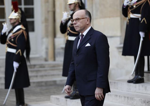Francouzský premiér Bernard Cazeneuve