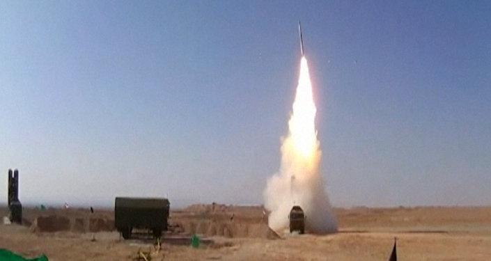 Odpálení raket a nacvičení terčů: Írán úspěšně otestoval ruské S-300