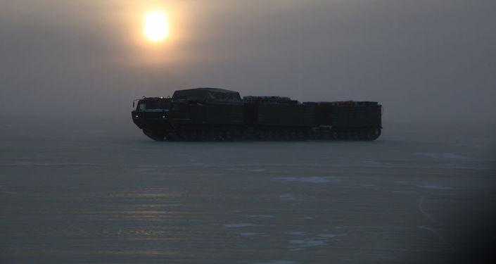 Zkoušky nejnovější vojenské techniky pro Arktidu