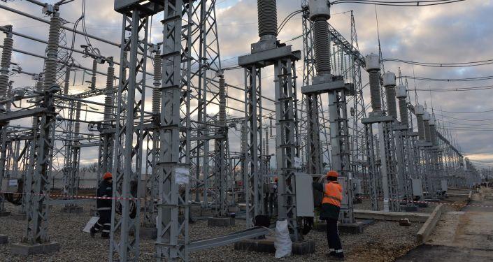 Stavba energetického mostu na Krymu