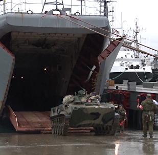Nakládání techniky ruských výsadkových sil