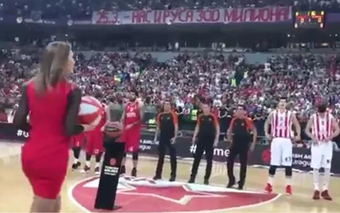 Utkání basketbalové Euroligy mezi týmem Crvena Zvezda a řeckým Olympiakosem