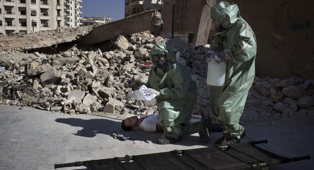 Výcvik v evakuaci obětí během chemického útoku, Sýrie