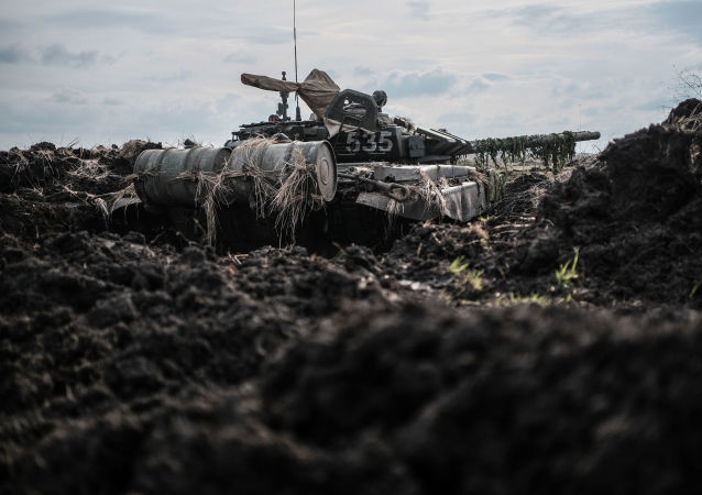 Tank na polygonu Molkino během taktického cvičení ruské armády
