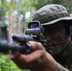 Pěstní zápas, střelba a překonávání překážek – tak trénují příslušníky Ruské gardy