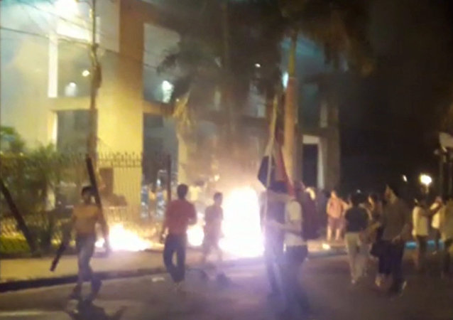V paraguayské metropoli zahájila policie palbu na demonstranty