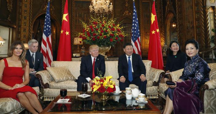 Schůzka předsedy ČLR Si Ťin-pchinga a amerického prezidenta Donalda Trumpa