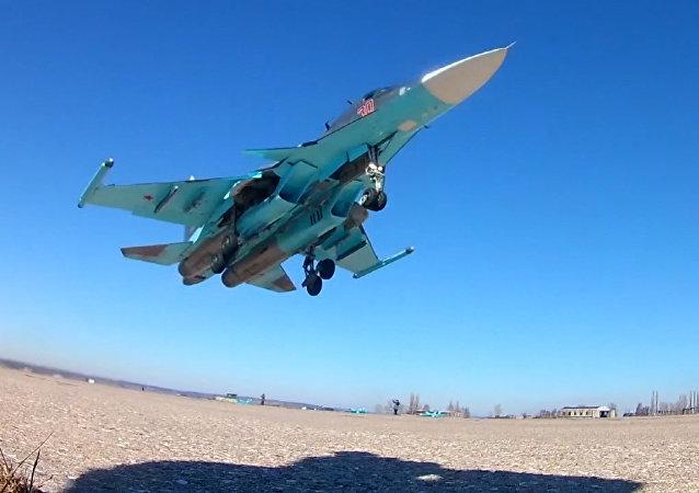Cvičení posádek Su-34