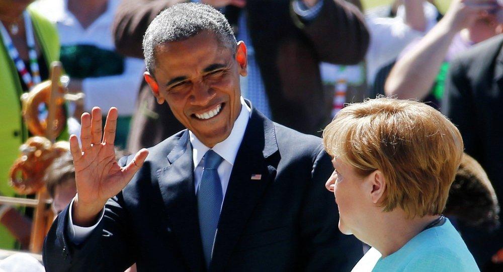 Barack Obama a  Angela Merkelová na summitu G7 v Elmau