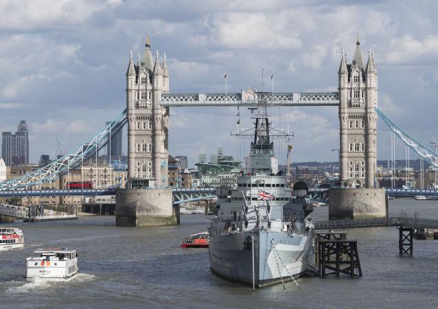 Londýn, Tower Bridge