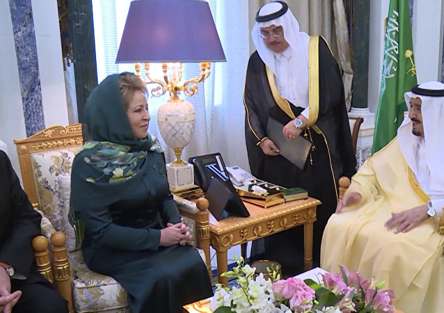 Valentina Matvijenková se v neděli setkala s králem Saúdské Arábie