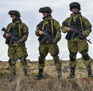 Ruští vojáci během cvičení na Krymu