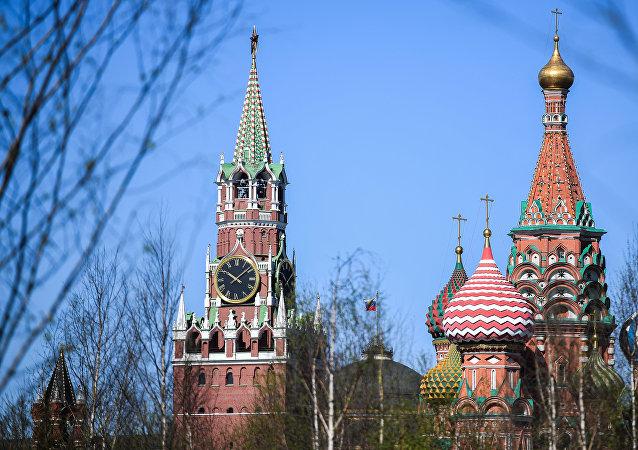Pohled na Chrám Vasila Blaženého a Kreml