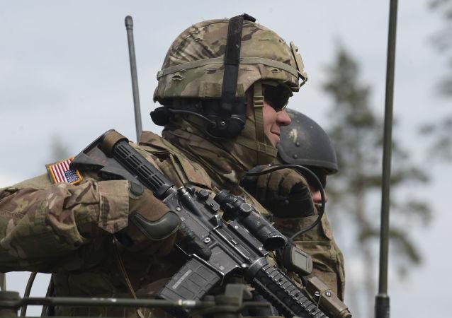 Americký voják během cvičení NATO v Estonsku