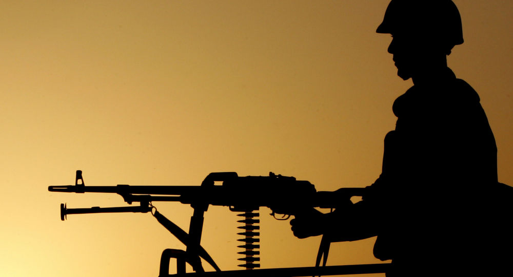 Turecký voják na hranici s Íránem