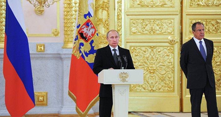 Vladimir Putin a Sergej Lavrov