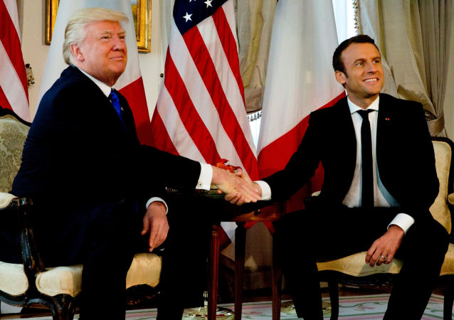 Americký prezident Donald Trump a jeho francouzský protějšek Emmanuel Macron
