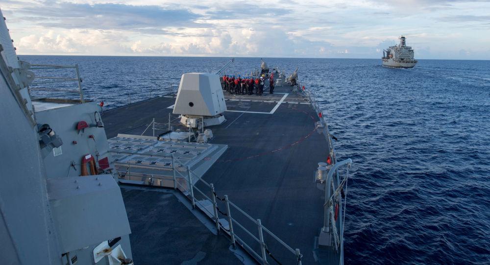 Minonoska vojenského námořnictva USA Dewey v Jihočínském moři