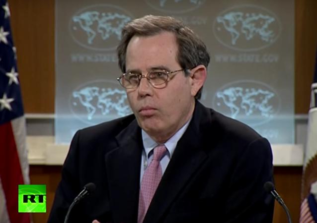 Pracovník ministerstva zahraničí ztratil slova kvůli otázce o Saúdské Arábii