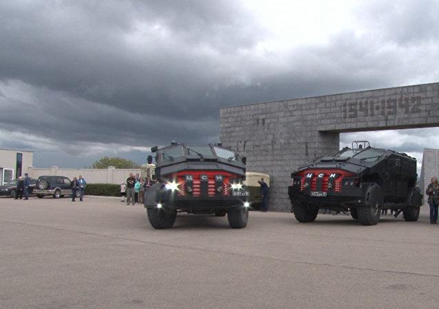 Obrněná vozidla Falkatus dorazila na Krym